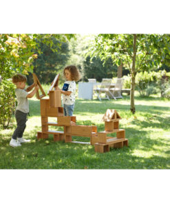 Outdoor Play & Learn